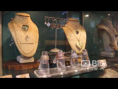 Lunessa a Jewelry Stores in New York selling fashionable Jewelry and Diamond