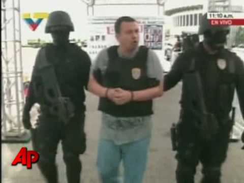 Raw Video: Cocaine Boss, Others Deported to U.S.