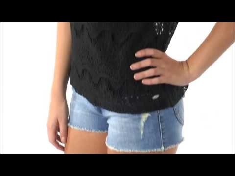 Quan shorts jean nu mix voi ao thun kieu dep 2014 | Aero87.vn