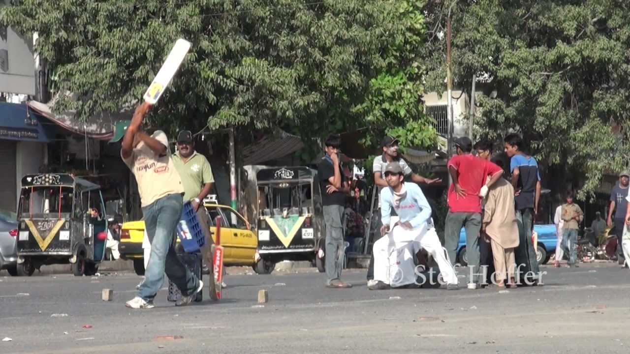 Street Cricket In Karachi Pakistan