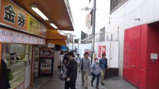 Tokyo Adventures 02: Looking for a place to eat in Shinjuku