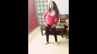 (INDIAN MONICA) 14 Saal Ki Desi Girl ka home style hot dance by song humma humma anushka sharma