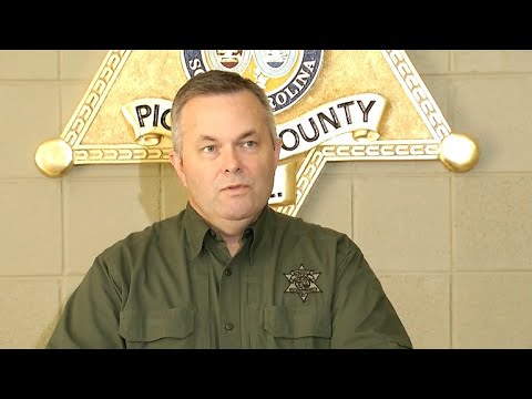 "Sheriff hails ""hero"" homeowner who fatally shot escaped inmate"