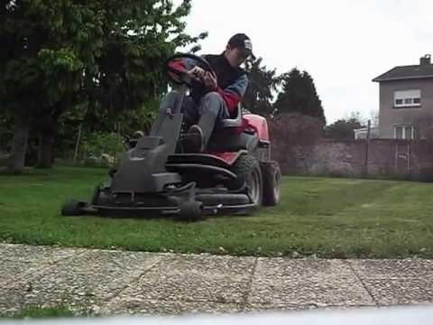 tracteur tondeuse jonsered fr2216 rider 1 2 youtube. Black Bedroom Furniture Sets. Home Design Ideas