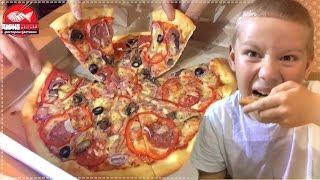 Заказали пиццу детскую и взрослую .Семейный ужин Уфа.Доставка пиццы Sushimania-ufa  2015(, 2015-08-07T18:36:16.000Z)