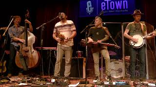 The Infamous Stringdusters - Carry Me Away (Live on eTown)