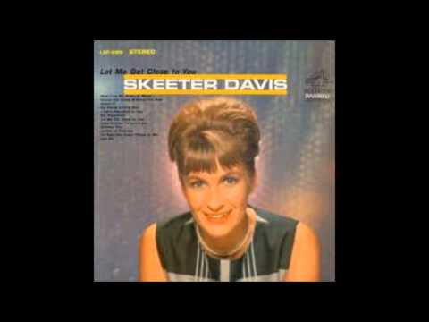 AM I THAT EASY TO FORGET---SKEETER DAVIS