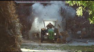 Quand un agriculteur à bord de son tracteur met le turbo
