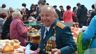 Керчь: День Победы горожане отмечали песнями на горе Митридат