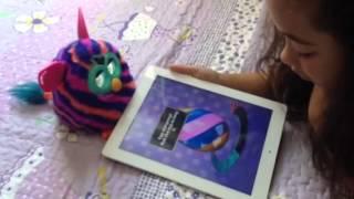 Cuidando da minha Furby Boom com o app