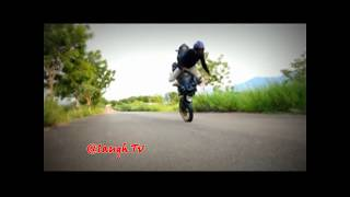 Best Indian Bike Stunt Fail in India 2017 II It happens only in India Part 3