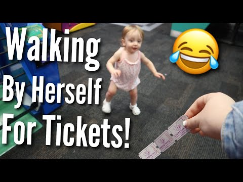She Can Walk!!! | Teen Mom Vlog