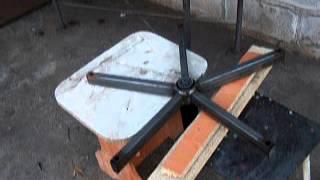 Газлифт Как выбить газлифт из  стальной крестовины офисного стула.(Купить газлифт через сайт http://www.tsuricom.com.ua/load/8-1-0-385 Выбиваем газлифт http://www.tsuricom.com.ua/publ/7-1-0-100 из стальной крест..., 2012-11-29T17:56:47.000Z)