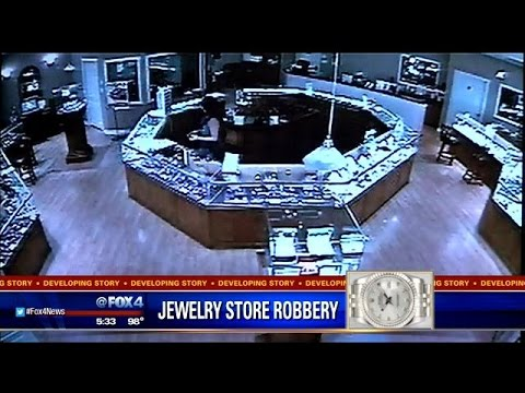Trio wanted for DeSoto jewelry store robbery