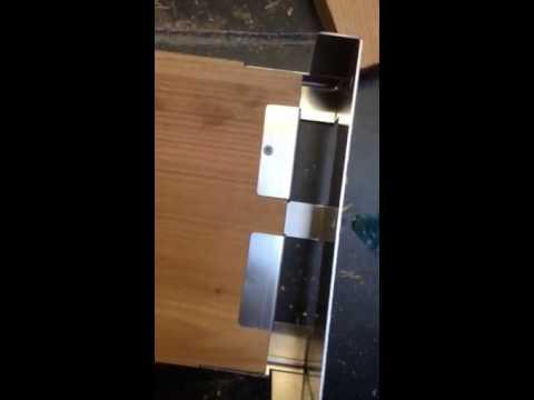 How Eco Bee Box brackets work