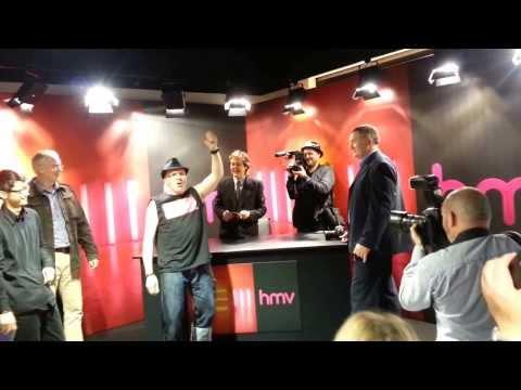 Sir PAUL McCARTNEY signing event (NEW album) in HMV (18/10/2013)