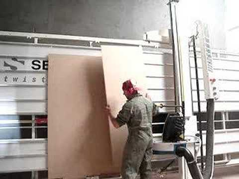 Seccionadora vertical twisters 5000 vista general youtube - Sierra para cortar madera ...
