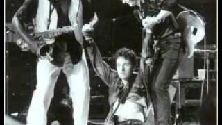 Watch Bruce Springsteen Wild Kisses im Gonna Treat You Right video