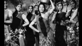 Umangon Ko Sakhi Pee (Song Video) – Amar