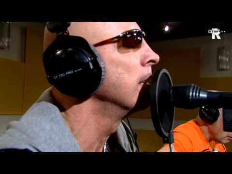 Live Uit Lloyd - Right Said Fred - Stand Up For The Champions