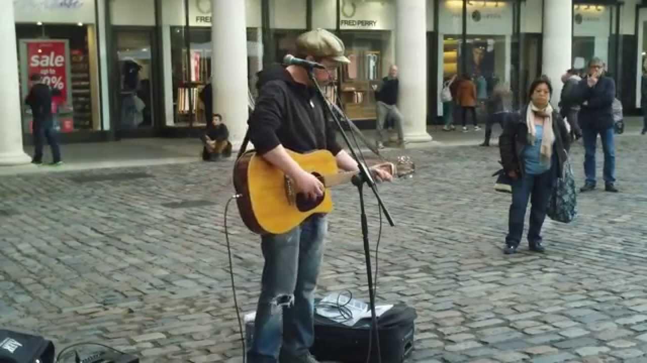 Amazing Singer At Covent Garden  LONDON  Rob Falsini