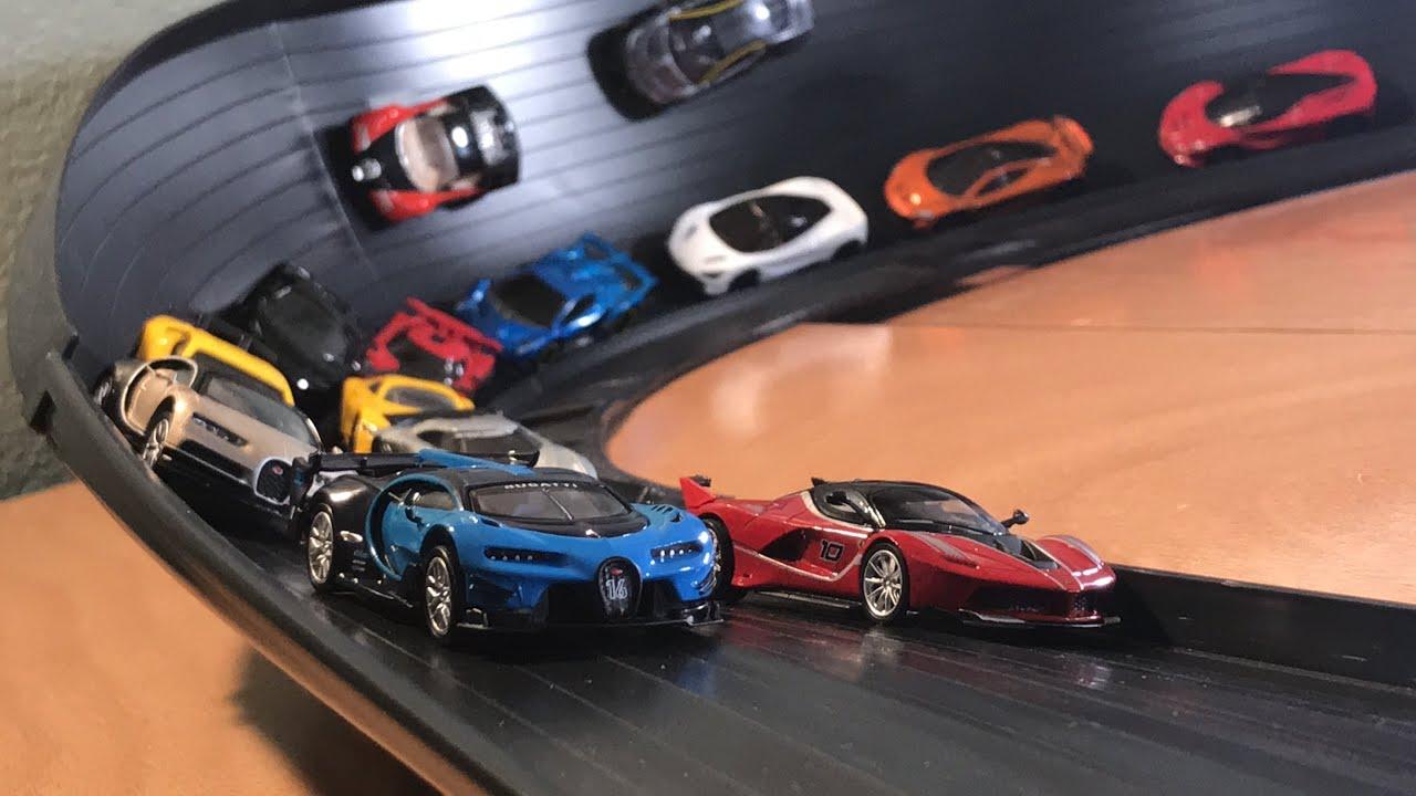 Download HOT WHEELS HYPERCAR MEGA SUPER CURVE CRASH RACE 2! (feat. Bugatti Chiron, Ferrari FXX K, and more!)