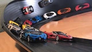 HOT WHEELS HYPERCAR MEGA SUPER CURVE CRASH RACE 2! (feat. Bugatti Chiron, Ferrari FXX K, and more!)