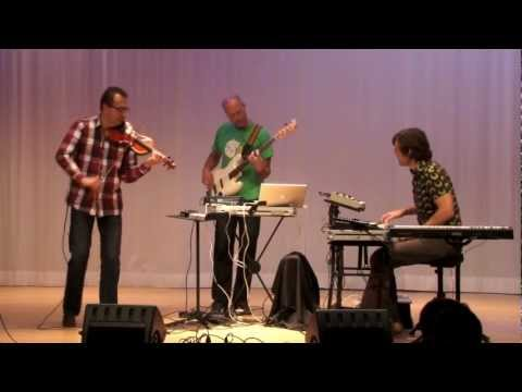 The Gust 'Airplayin ' Michael Gustorff violin Jaap Berends bass&beats Clemens Horn Keys