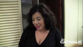 How to Put on Fake Eyelashes - Ana Shares Her Tricks