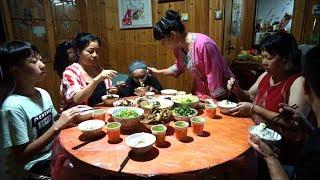 秋子去菜地摘瓜藤,做了什么差点被奶奶骂?最后结局很温馨