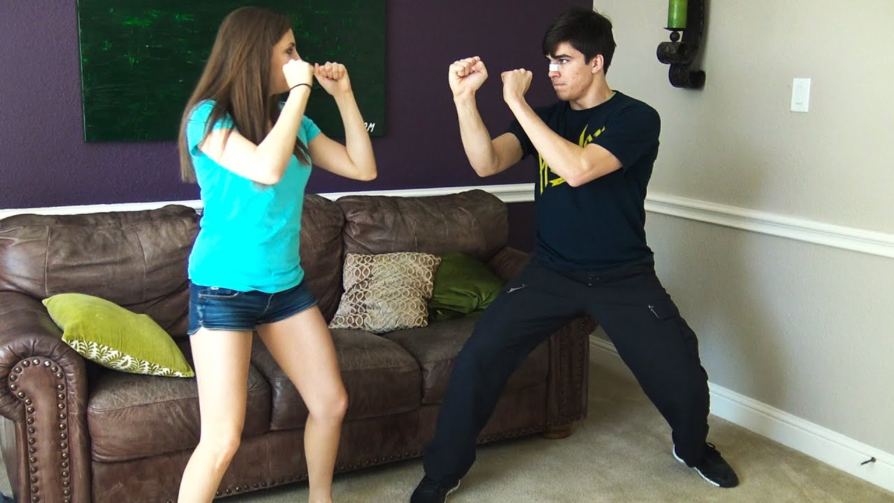 Teaching Girls How to Fight - YouTube