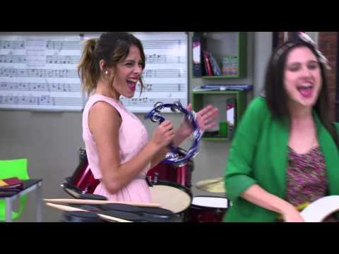 Las chicas cantan ¨Junto a ti¨   Momento Musical   Violetta