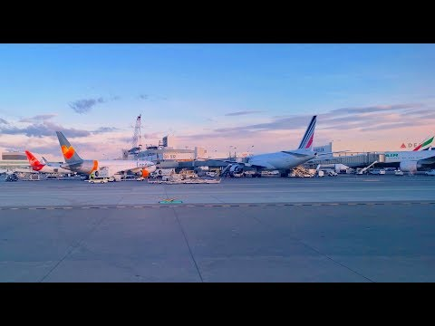 Taxiing And Takeoff From Sea Tac SEA Seattle Tacoma International Airport 4K UHD 2019