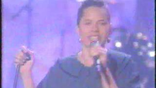 10,000 Maniacs - Poison in the Well