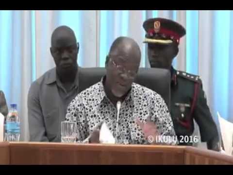 Download Rais Dkt  John Pombe Magufuli amefanya Ziara ya kushitukiza Benki Kuu ya Tanzania B O T DSM