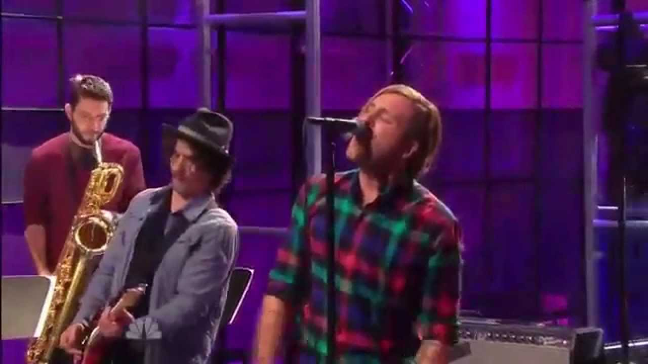 """AWOLNATION – """"Sail"""" live on The Tonite Show"""
