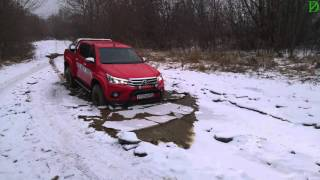 Новейший Toyota Hilux Arctic Truck ломает лед! (4k, UHD)