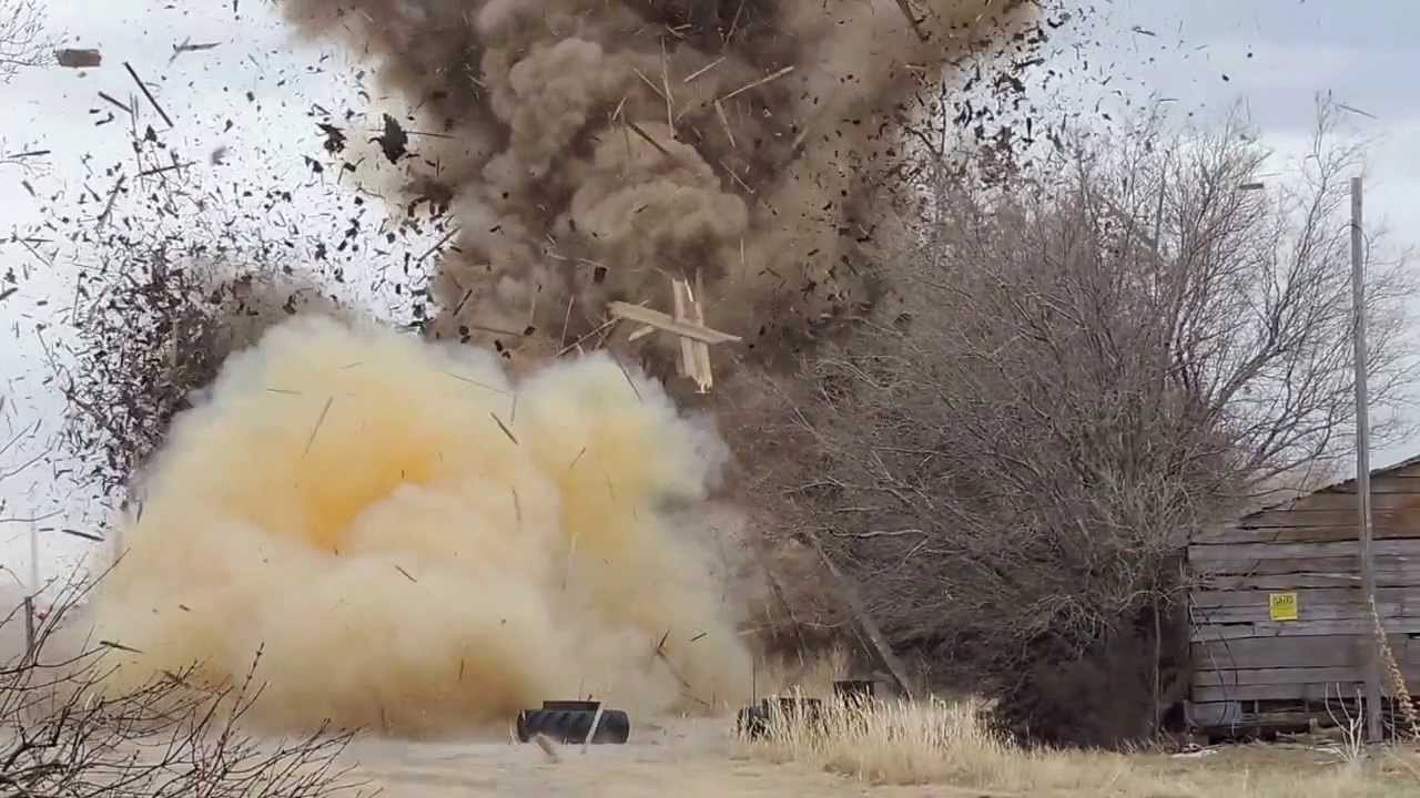 Barn Vs  164 Pounds Of Tannerite - Digg