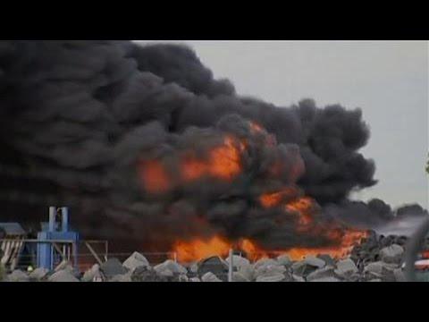 Melbourne Industrial Fire Sets Skies Ablaze