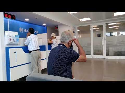 В турецком банке ждем своей очереди