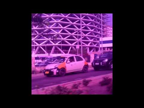 A drive around Accra - Good roads vs Bad roads