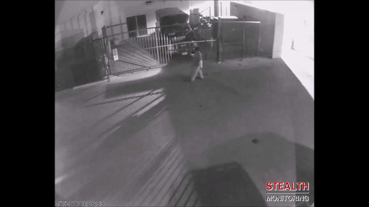 Security Guard Misses Hiding Car Theft Suspect