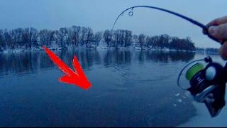 Вот это раздача! Рыбалка зимой на спиннинг(Попал на отличную раздачу судака на Москва реке)Приятного просмотра, друзья) Смотри другие видео на моем..., 2017-02-20T15:35:55.000Z)