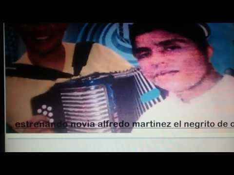 ESTRENANDO NOVIA Alfredo Martínez y anular García