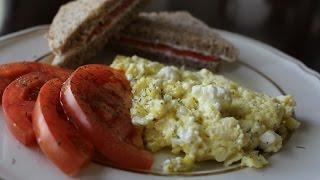Scrambled Eggs With Feta