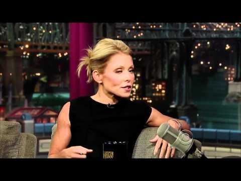 Kelly Ripa on Letterman (11/12/10) - HD