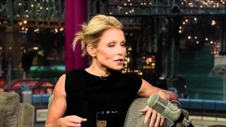Kelly Ripa on Letterman (11/12/10) - HD