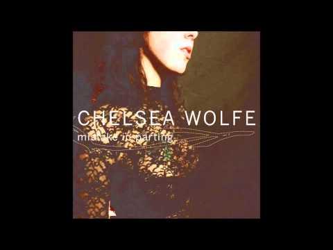 Клип Chelsea Wolfe - Lay Me Down