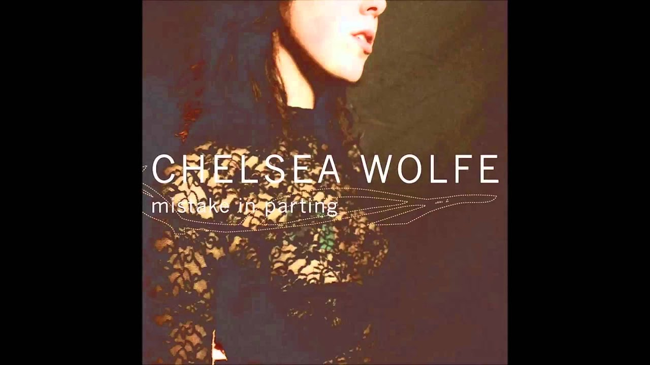 chelsea-wolfe-lay-me-down-marx-hanz