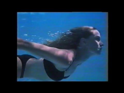 Felicity Huffman, Teri Hatcher and Nicollette Sheridan Monday Night Football commercial 2004Kaynak: YouTube · Süre: 1 dakika29 saniye